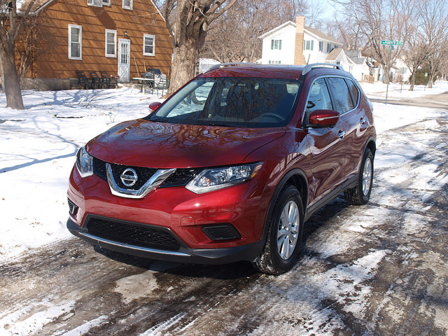 2015 Nissan Rogue SV - All Photos by Randy Stern