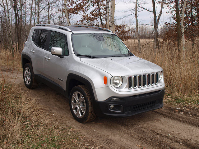 2015 Jeep Renegade Limited 4X4 - All Photos by Randy Stern